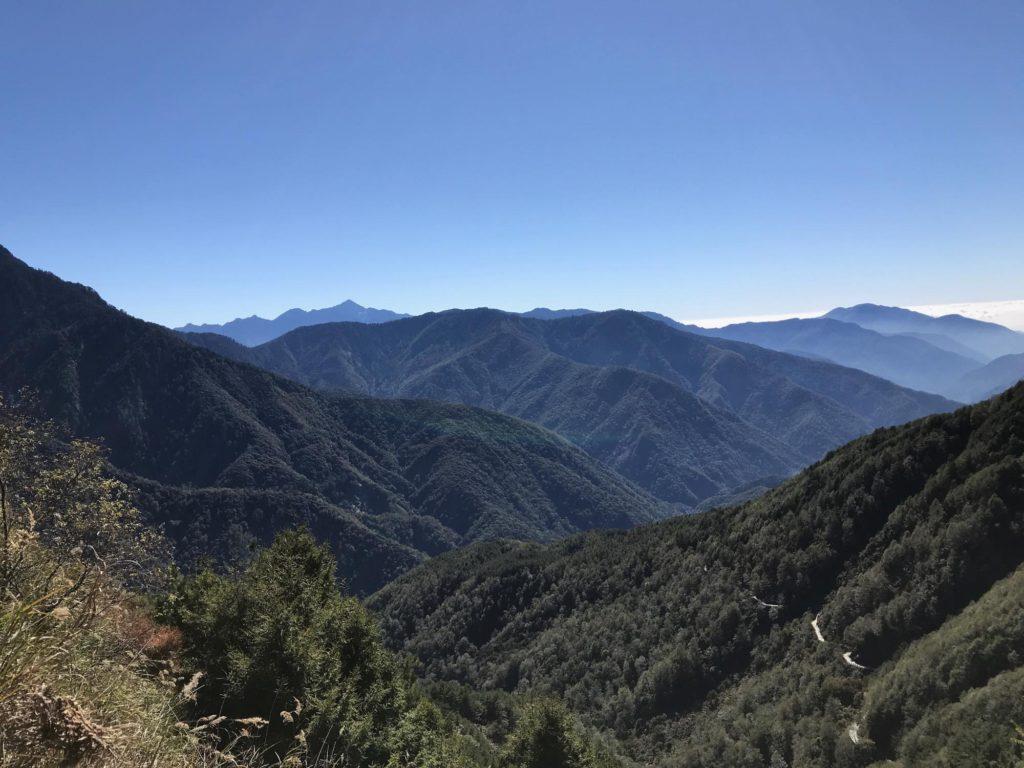 玉山登山 拝雲山荘から塔塔加登山口