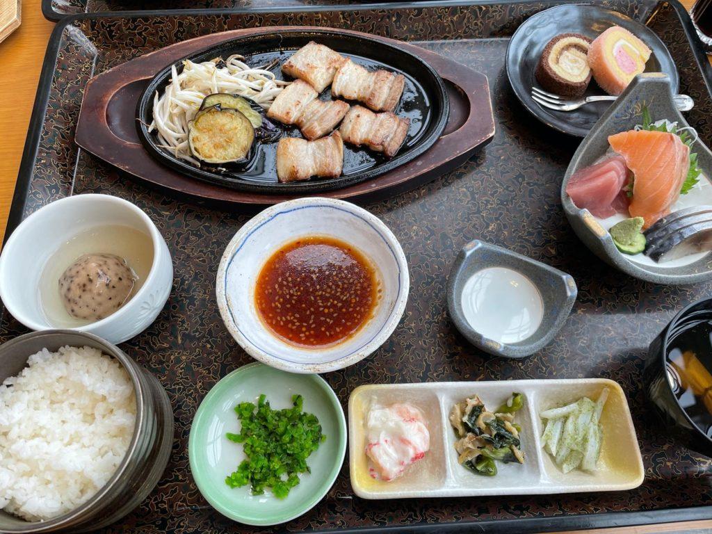 清里町の宿「緑清荘」の夕ご飯