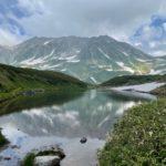 ミドリガ池と雄山